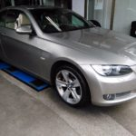 BMW335iにVEURO VE303(ビューロ ブイイーサンマルサン)を装着しました。特殊吸音スポンジが特徴のプレミアムコンフォートです!